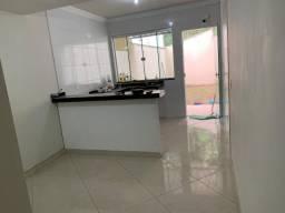 Casa em Ipatinga, 2 quartos, 80 m², Quintal fundos, 2 vgs. Valor 180 mil