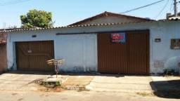 Casa 04 qtos com Barracão Finsocial