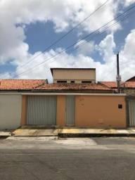 Vende-se Casa com 5 quartos no bairro Engenheiro Luciano Cavalcante - Fortaleza/CE