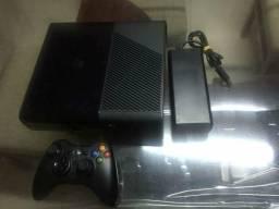 Xbox 360 slim bloqueado com 1 controle 2 jogos originais