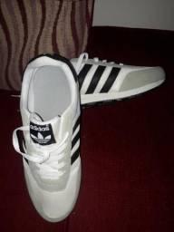 Tênis Adidas n° 42 Original - Novo