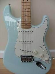 Novo - Guitarra Stratocaster Squier Fender (Edição Especial)