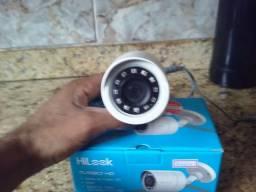 Câmera Hilook + caixa de sobrepor + 10 conectores
