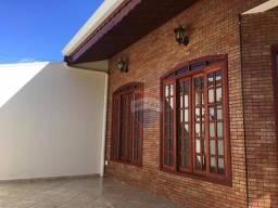 Casa com 3 dormitórios para alugar, 200 m² por R$ 3.900,00/mês - Jardim da Fonte - Jundiaí