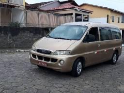 Van Hyundai H1 executiva  - 2001