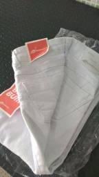 Calça branca , nova ,  n 40