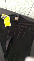 Vendo calça preta nova n 40
