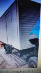 Caminhão baú alumínio 3 portas vendo troco