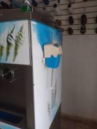 Máquina de sorvetes em estado de nova