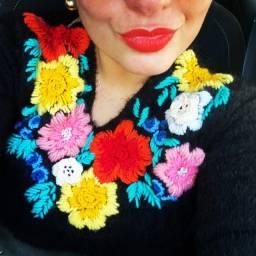 Blusões de pelúcia bordados