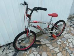 Bicicleta Aro 20 BMX Cromada Laitinha freios V-brake tá TOP!! Aceito-Propostas