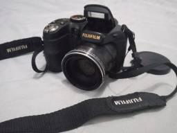 Vendo maguina fotografia fujifilm 18x zoom valor R$ 400.00