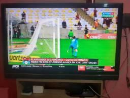 Vendo TV 42 polegadas com TV box(smart)