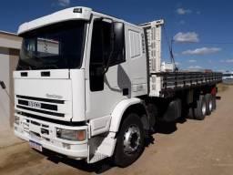 Caminhão truck Iveco