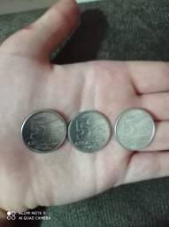 Vendo 3 moedas de 5 cruzeiros Brasil : R$100,00