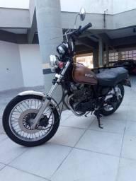 250cc Suzuki Intruder aceito troca