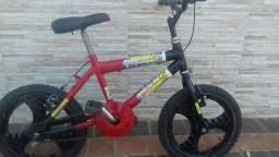 Título do anúncio: Vendo uma bicicleta aro 16 toda revisada valor 250 reais