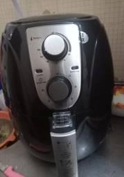 Fritadeira nova com garantia de dois anos
