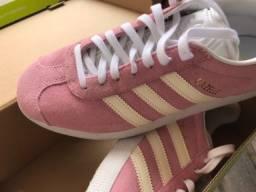 Título do anúncio: Tênis Adidas Gazelle OG cor clear pink (rosa claro)