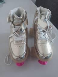 Vende-se 1 par de patins