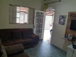 Casa em Pau da Lima T