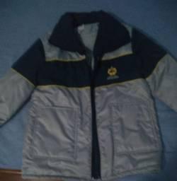Uniforme casaco de nylon escola adventista ( n foi usado nem uma vez no ano)