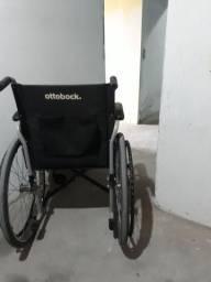 Vendo cadeira de roda