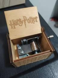 Caixinha de Música Harry Potter - Manivela