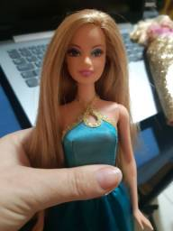 Barbie linda vestido azul