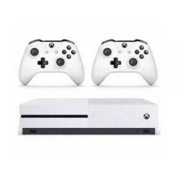 Xbox one S novo com 2 comtroles e 5 jogos