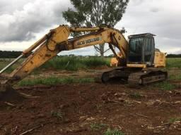 Escavadeira New Holland E215B