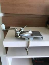 Máquina modeladora de papel crepom