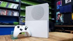 Xbox One S 1TB c/ Garantia - Aceito Cartão