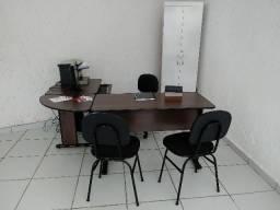 Moveis para Escritório -1 mesa - 3 cadeiras -1 armario -1 pc - 1 impressora - 1 frigobar