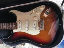Guitarra fender americana de luxe