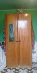 Bi cama de madeira e guarda roupa de solteiro