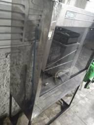 Máquina de assar frangos semi-nova 3 espeto