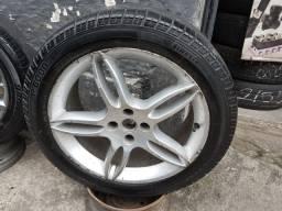 Oportunidade!!  01 Roda aro 17 com pneu.