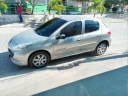 Vendo peugeot ano 2010/2011 carro em dias documento e recibo