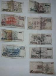 Notas de Papel e moedas antigas.