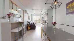 Apartamento com 3 dormitórios à venda, 71 m² por R$ 320.000,00 - Cavalhada - Porto Alegre/
