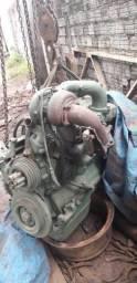 Vendo motor mb 366 e transmissão cat 924h leia a descrição