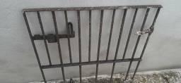 Grades para janela, e portão pequeno Valor R$300,00 as tres
