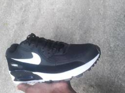 Tênis Nike Air Max 90 tamanho 41