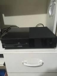 Xbox one com controle personalizado e 4 jogos