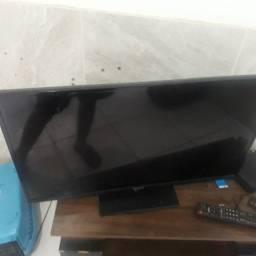 Televisão para retirada de peças
