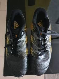 Chuteira Adidas n39