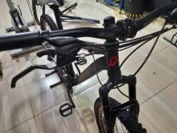 Bike aro 29 Tam 17 nova sem uso peças Shimano  12 x R$ 175