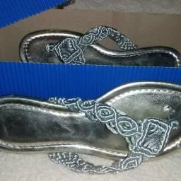 Sandálias artesanais da linha Simone Arte