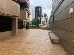Alugo quarto-suíte no centro / Edifício bem localizado / república / ambiente familiar